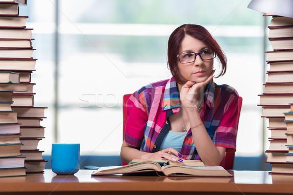 Fiatal nő diák főiskola vizsgák lány könyvek Stock fotó © Elnur