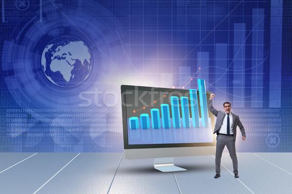 Biznesmen ekonomiczny wykresy komputera człowiek Zdjęcia stock © Elnur
