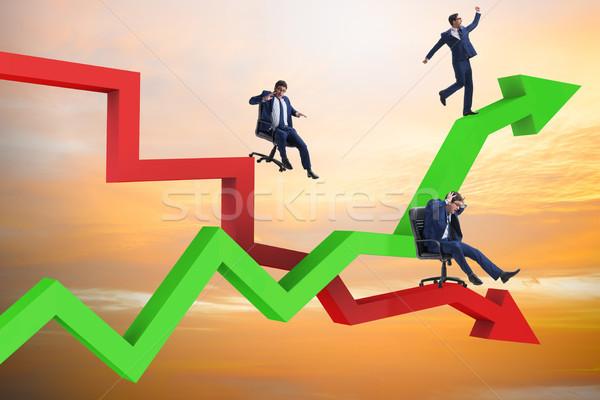 Crecimiento disminuyendo empresarios negocios hombre feliz Foto stock © Elnur