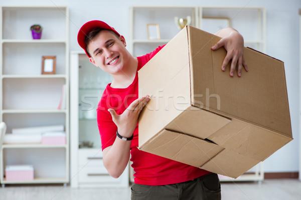 Postar homem pacote pacote negócio papel Foto stock © Elnur