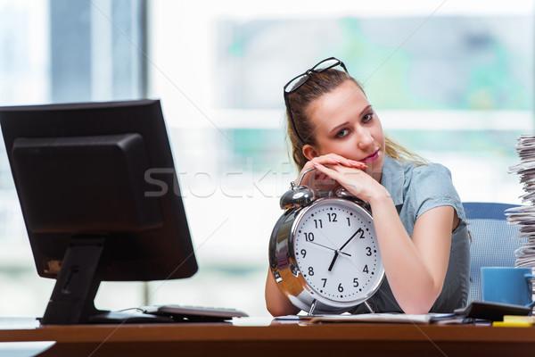 Foto stock: Mulher · empresária · reunir-se · prazos · trabalhar · fundo