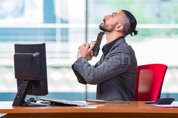 Kétségbeesett férfi öngyilkosság iroda kéz üzletember Stock fotó © Elnur