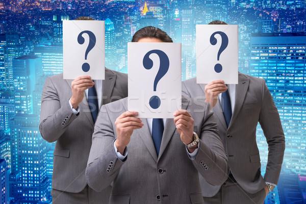 üzletember bizonytalanság kérdőjelek felirat munkás jövő Stock fotó © Elnur