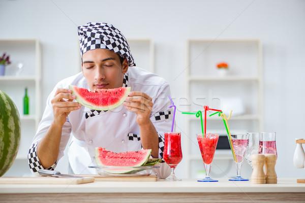 男性 調理 スイカ キッチン 水 笑顔 ストックフォト © Elnur