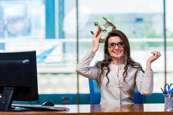 Imprenditrice seduta donna lavoro monitor Foto d'archivio © Elnur