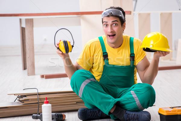 Travailleur bruit homme casque Photo stock © Elnur