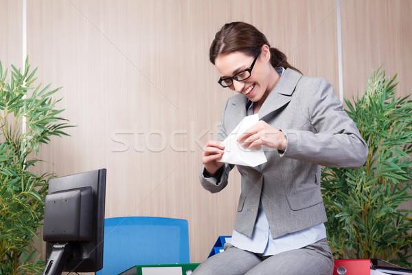 Ofis kadın kâğıt mutlu Stok fotoğraf © Elnur