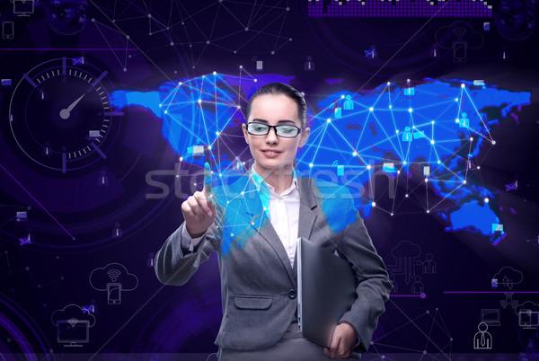 Foto stock: Mulher · social · dados · gestão · negócio · tecnologia