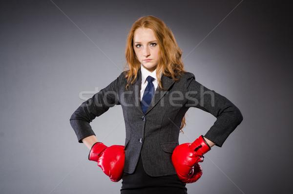Nő boxoló sötét szoba üzlet iroda Stock fotó © Elnur