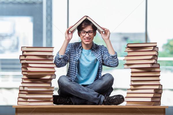 Genç öğrenci stres sınavlar kitaplar okul Stok fotoğraf © Elnur