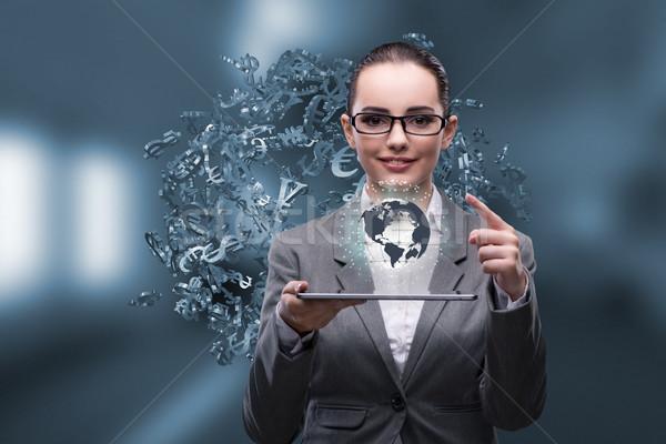 Zakenvrouw tablet wereldwijde business computer wereld aarde Stockfoto © Elnur