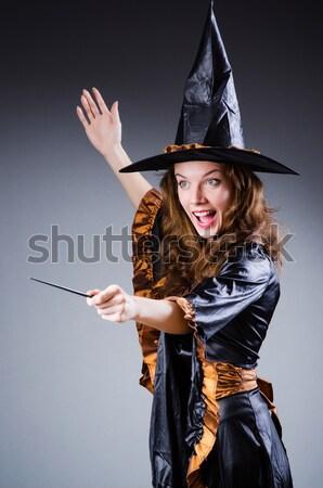 Vrouw piraat geïsoleerd witte mes zwaard Stockfoto © Elnur