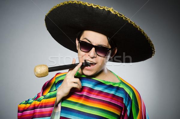 Komik Meksika şarkı söyleme karaoke mutlu mikrofon Stok fotoğraf © Elnur