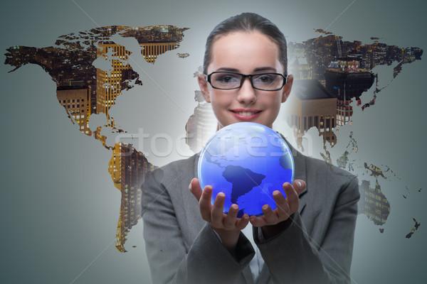 üzletasszony globális üzlet üzlet nő világ Föld Stock fotó © Elnur