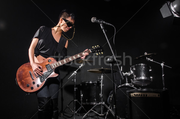 Jugando guitarra concierto música fiesta Foto stock © Elnur