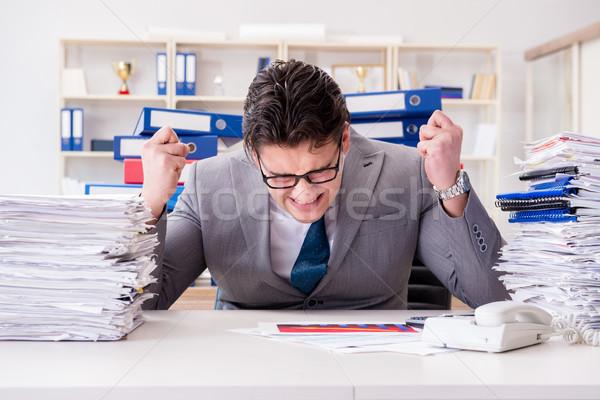 Geschäftsmann beschäftigt Papierkram Büro Mann traurig Stock foto © Elnur