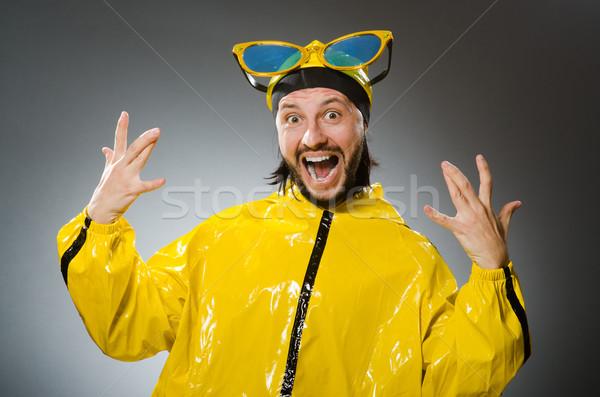 Man Geel pak grappig partij Stockfoto © Elnur