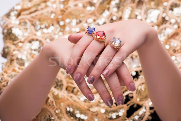 Mains bijoux anneaux mode femme beauté Photo stock © Elnur