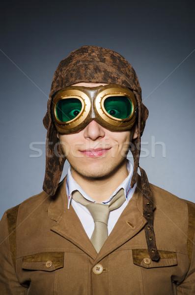Divertente pilota occhiali casco uomo moda Foto d'archivio © Elnur