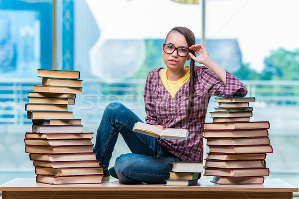 öğrenci kolej sınavlar kitaplar okul arka plan Stok fotoğraf © Elnur