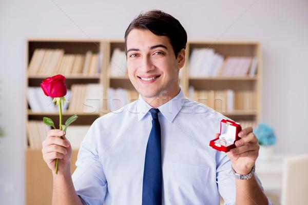 Romantique homme mariage proposition affaires Photo stock © Elnur