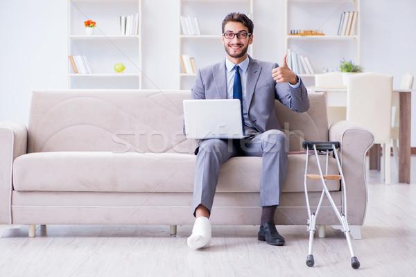 бизнесмен сломанной ногой домой рабочих человека Сток-фото © Elnur