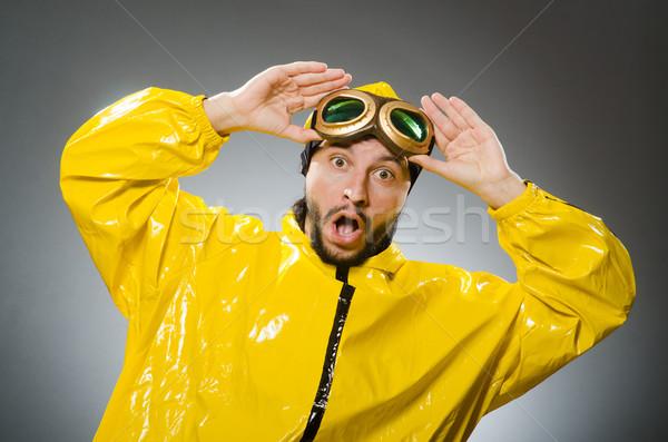 Man Geel pak bril reizen Stockfoto © Elnur