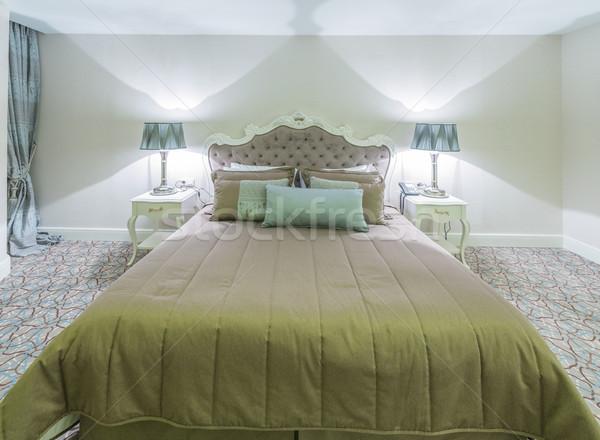 Moderno quarto de hotel grande cama casa projeto Foto stock © Elnur