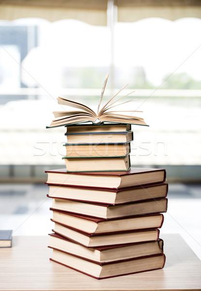 Boeken boek achtergrond kamer Stockfoto © Elnur