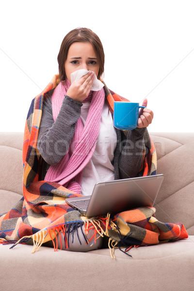 Jeune femme potable thé fièvre café médicaux Photo stock © Elnur
