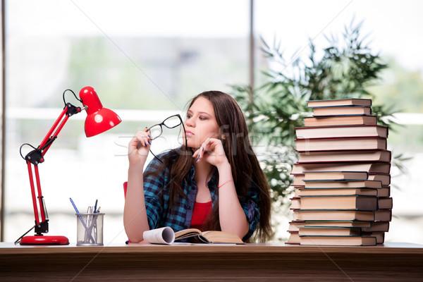 Fiatal diák iskola vizsgák lány könyv Stock fotó © Elnur