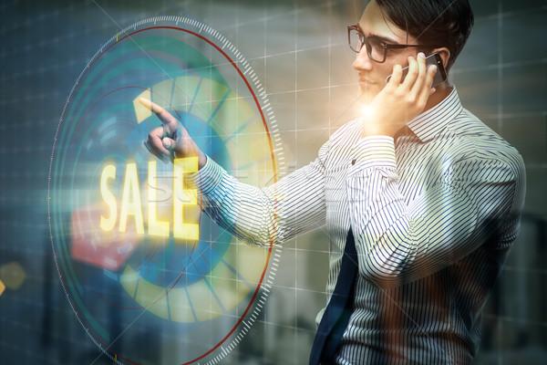 Stock fotó: üzletember · kisajtolás · gombok · vásár · telefon · képernyő