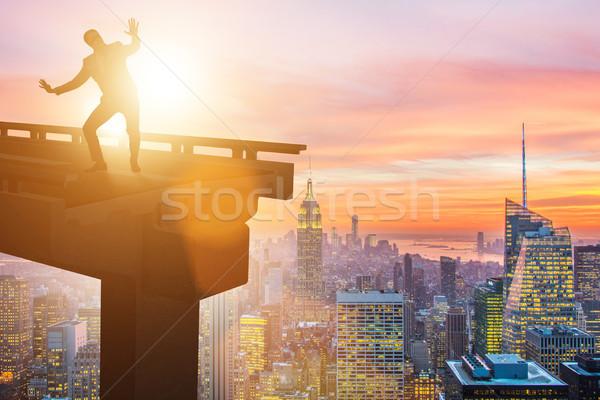 Geschäftsmann Unsicherheit defekt Brücke Gebäude Stadt Stock foto © Elnur