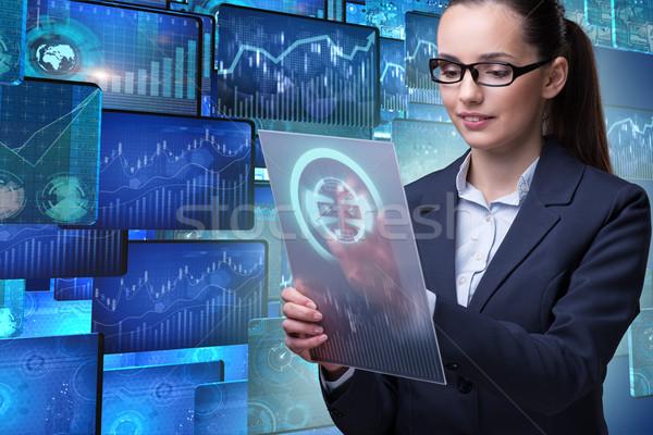 Imprenditrice dati mining computer rete web Foto d'archivio © Elnur
