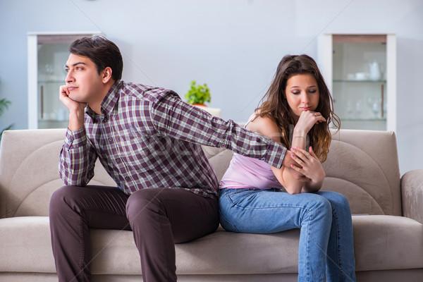 Сток-фото: молодые · семьи · сломанной · отношения · женщину · девушки