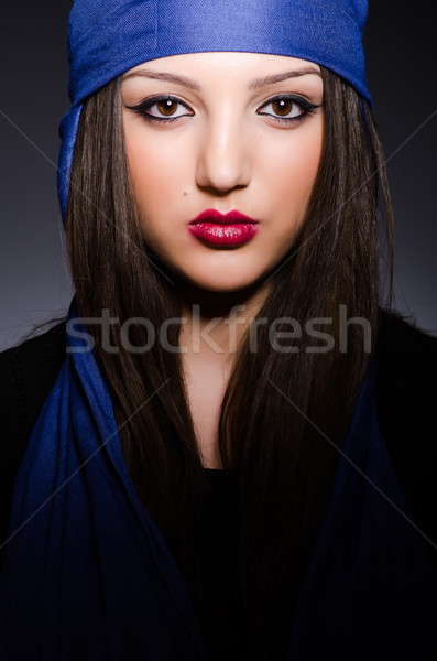 Moslim vrouw hoofddoek mode gelukkig achtergrond Stockfoto © Elnur