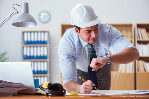 Ingeniero supervisor de trabajo dibujos oficina papel Foto stock © Elnur