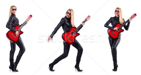Zdjęcia stock: Młoda · kobieta · gry · gitara · odizolowany · biały · kobieta