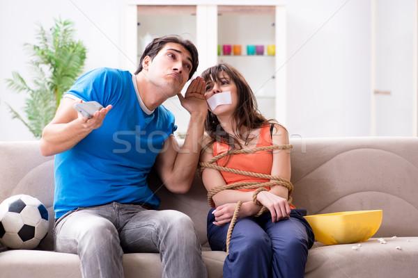 человека вверх жена Смотреть спортивных футбола Сток-фото © Elnur