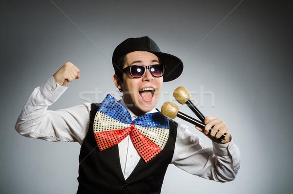 Grappig man karaoke partij haren achtergrond Stockfoto © Elnur