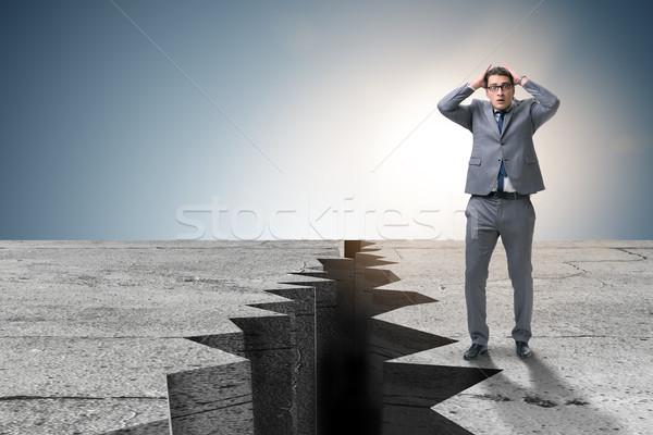 бизнесмен Постоянный страшно утес бизнеса горные Сток-фото © Elnur
