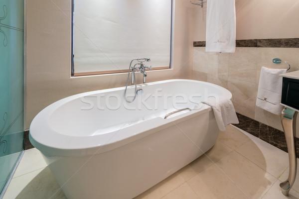 Nowoczesne łazienka wnętrza wanna wody zdrowia Zdjęcia stock © Elnur