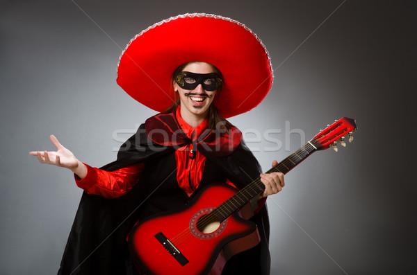 Pessoa sombrero seis engraçado guitarra Foto stock © Elnur