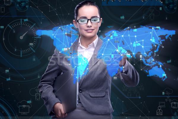 Сток-фото: женщину · социальной · данные · управления · бизнеса · технологий
