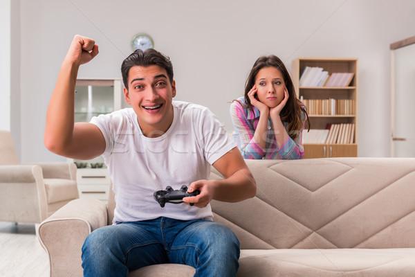 Genç aile bilgisayar oyunları bağımlılık Stok fotoğraf © Elnur