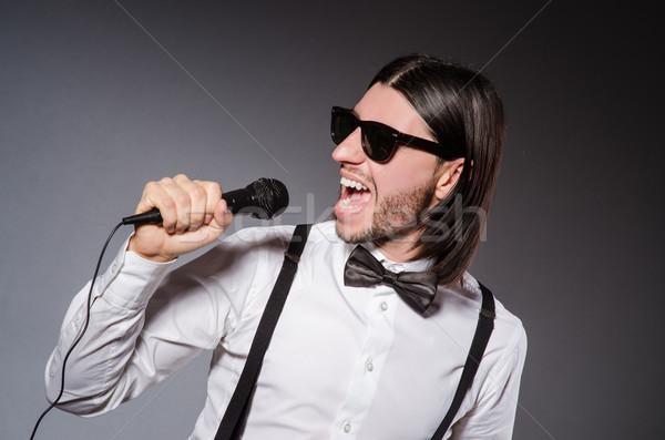 Grappig zanger microfoon concert partij man Stockfoto © Elnur