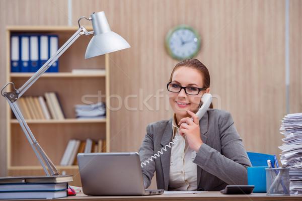 Zajęty stresujące kobieta sekretarz stres biuro Zdjęcia stock © Elnur