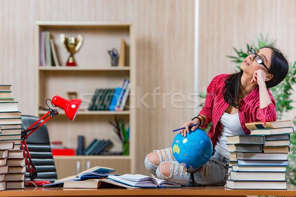 Jovem feminino estudante faculdade escolas exames Foto stock © Elnur