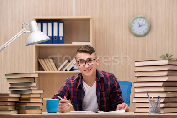 Giovani studente scuola esami libri home Foto d'archivio © Elnur