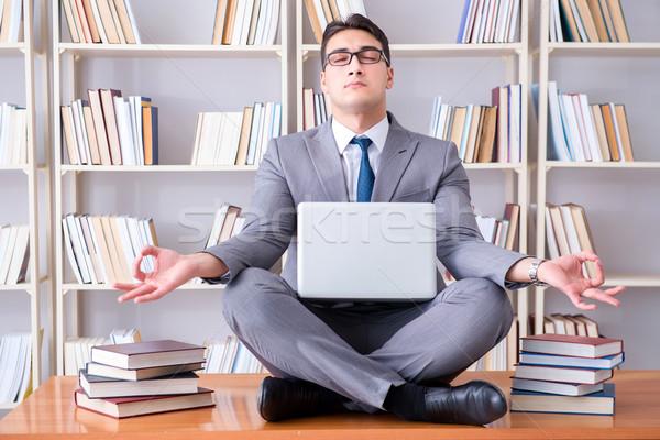 üzletember diák lótusz pozició meditál laptop Stock fotó © Elnur